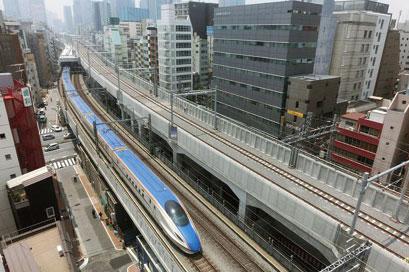 日本JR新干线高架道路混凝土保护工程