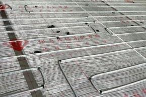 碳钎维发热电缆木板下