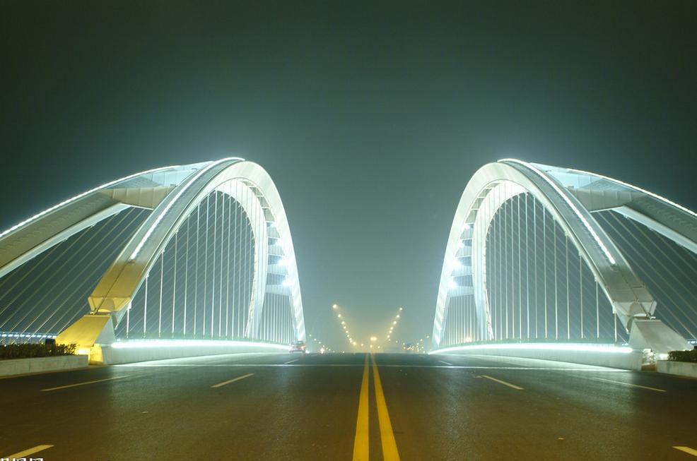 交通道路泛光剂